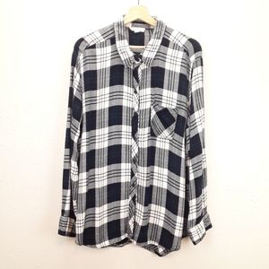 BeachLunchLounge b&w plaid button front tunic
